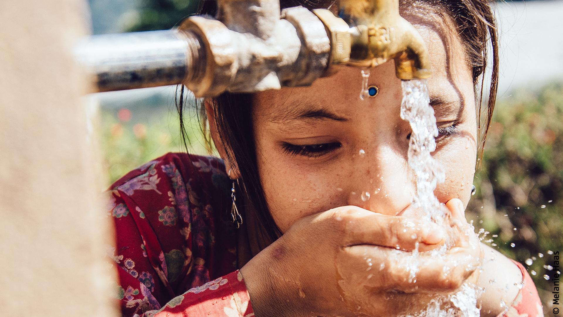 Aldi Süd Kühlschrank Werbung : Viva con agua bei aldi sÜd einfach durstlöscher werden