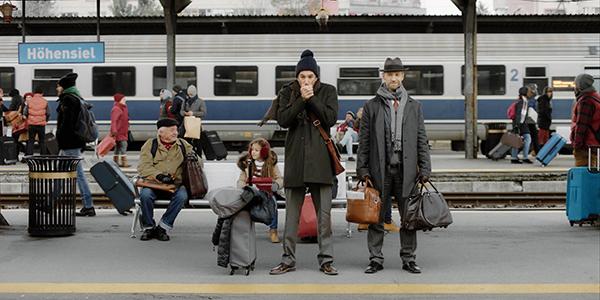 Die ALDI Weihnachtskampagne nimmt den ALDI Preis und das Sortiment in den Fokus.