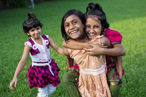 SOS-Kinderdörfer kümmern sich um die Gesundheitsversorgung und um die Bildung von Kindern.